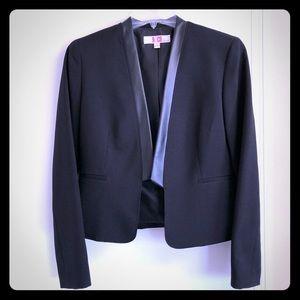 Nice black tuxedo style suit jacket dress blazer